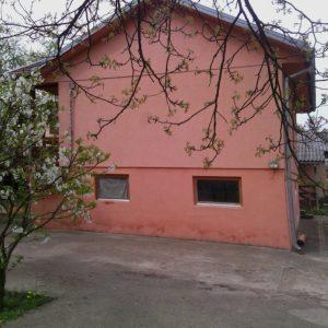 Prodajem kucu u Banjaluci