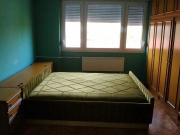 Izdajem sobe u stanu
