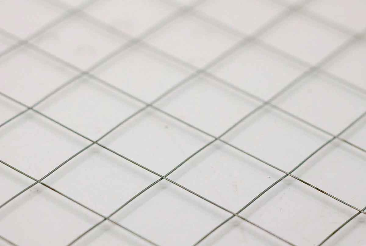 Diamond Square Chicken Wire Glass