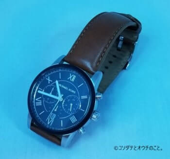 撮影ボックス(青ライト×白背景)で撮った腕時計