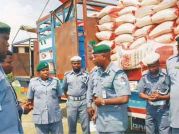 Customs raid rice market