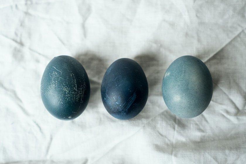 Ostereier färben mit Rotkraut.