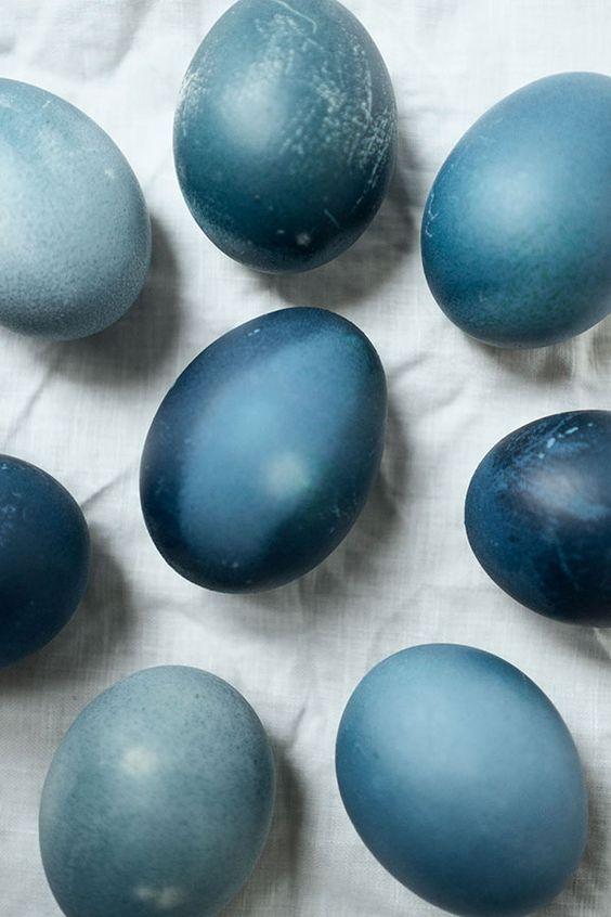 Ostereier färben mit Rotkohl