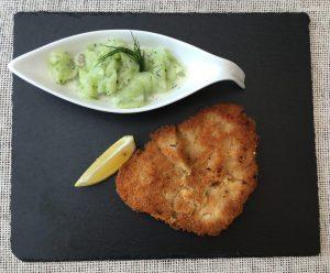 Wiener Schnitzel mit Gurkensalat