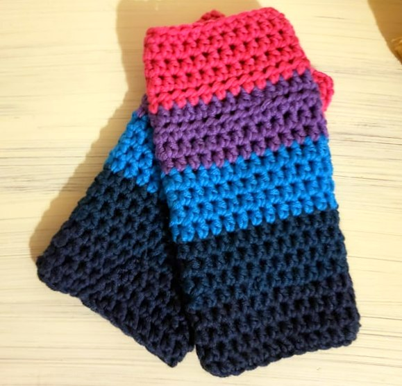 beginner crochet wrist warmers made with caron x pantone yarn