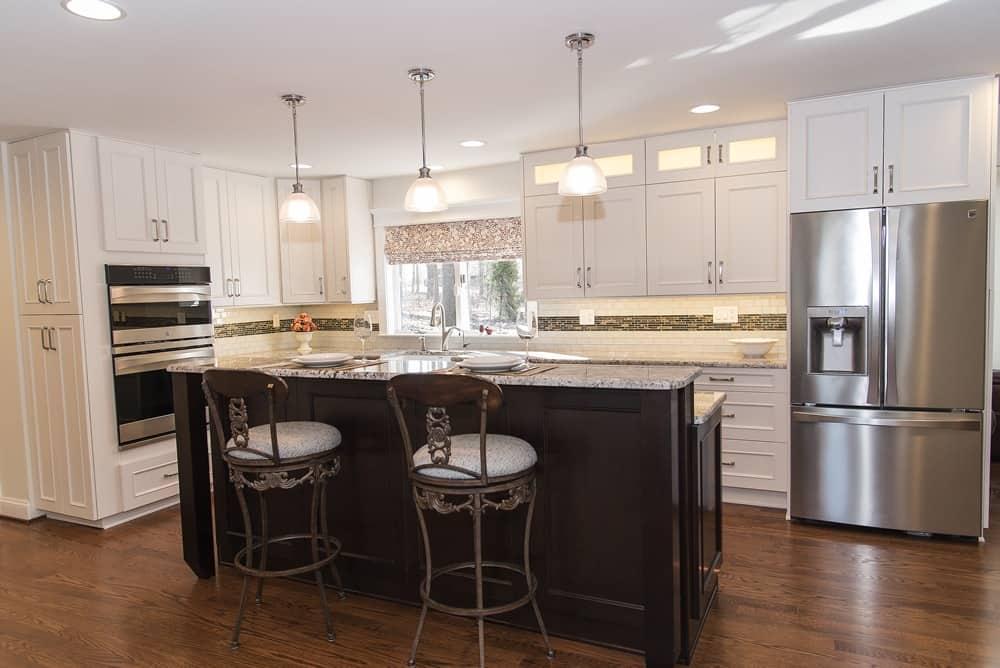 Transitional Kitchen - GLEN ROCK PA