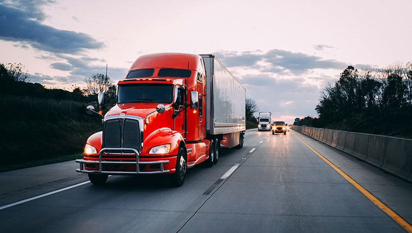 Read more about the article Dallas Truck Accident Attorneys: Tips to Avoid a Semi-Truck Accident