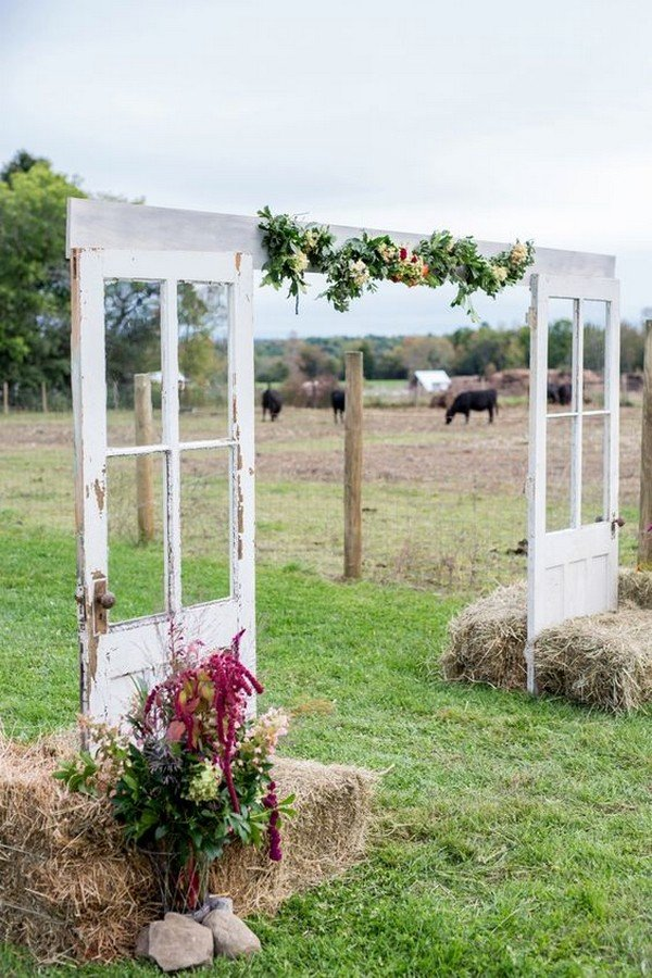 trending 26 country rustic farm wedding ideas for 2018 on country farmhouse exterior paint colors 2021 id=26441