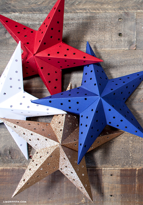 Paper Star Lights Garland. 10 Easy 4th of July Crafts to Make in 2018. Fourth of July is the perfect time to do some DIY projects to celebrate America! Make your house look patriotic with these simple red white and blue crafts. You can find 4th of July wreaths, centrepieces, firecrackers and all other 4th of July decor here. Most of these 4th of July crafts can be made by kids and toddlers. 4th of July crafts kids, 4th of July Crafts DIY, 4th of July crafts preschoolers #4thofJulycrafts