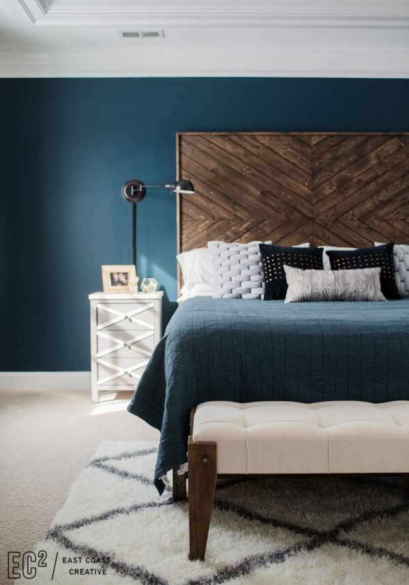Who doesn't love a beautiful bedroom? These 17 Inexpensive DIY Bedroom Projects will help you create the bedroom of your dreams on a budget! From beautiful tufted headboards on the cheap to cozy pom pom rugs this list has it all! #bedroomideas #bedroomdiy #diyhomedecor #diyhome #diyproject