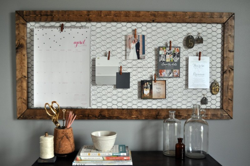 18 of the best DIY Projects for Home office Decor to Create an Organized Workspace and Boost Productivity When Working From Home. These DIY Office Decor Projects will be sure to inspire you to create something amazing today and make your home office a place you want to be! #homeoffice #homeofficeideas #officedecor #officedesign #diyproject #diyhomedecor