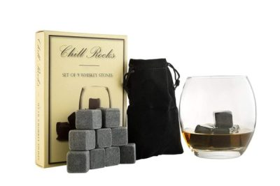 20 Meaningful Gifts For Him Under 20! Romantic birthday, Christmas and Valentine's day gifts for boyfriends, husband or friend. These AWESOME presents for men are great for any man in your life, your dad, brother or even a co-worker! Perfect for when you are on a budget but still want to get him something special and unique to show how much you love him! Check out the gift guide for him under $20! #giftsforhim #valentinesgiftforhim #christmasgifts