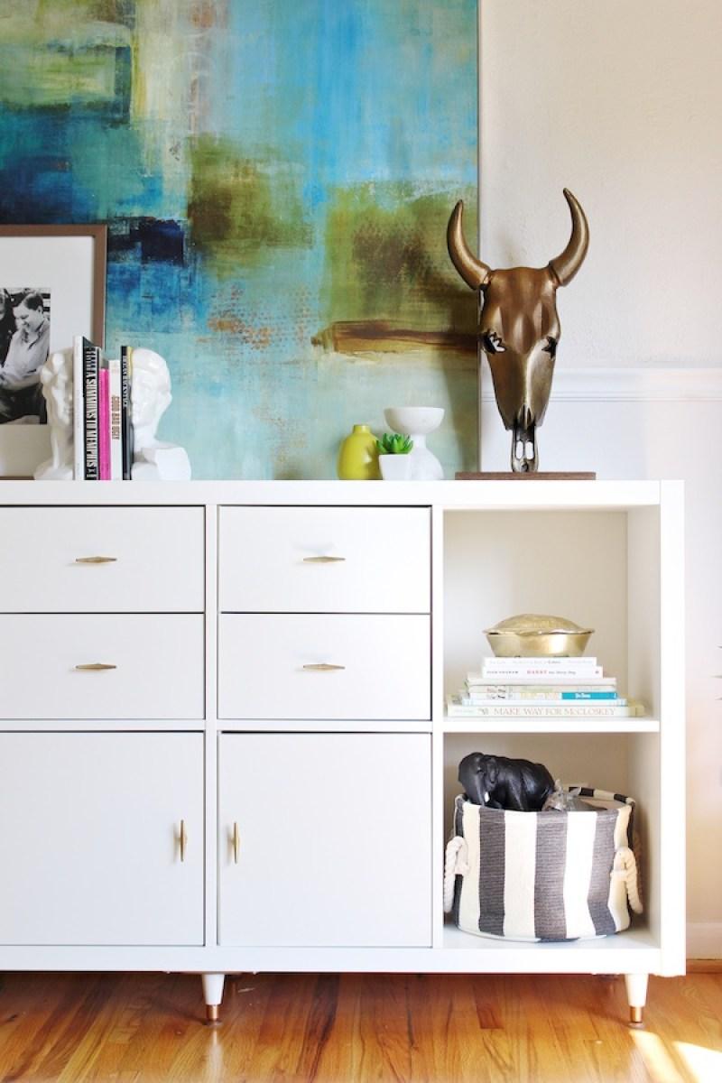Ikea Kallax Hack - 21 genius DIY IKEA Kallax hacks to organize your bedroom, playroom, kitchen, entryway, closet, and office. #ikeahack #ikeakallax #kallax #ikeafarmhouse #ikeaideas #ikea