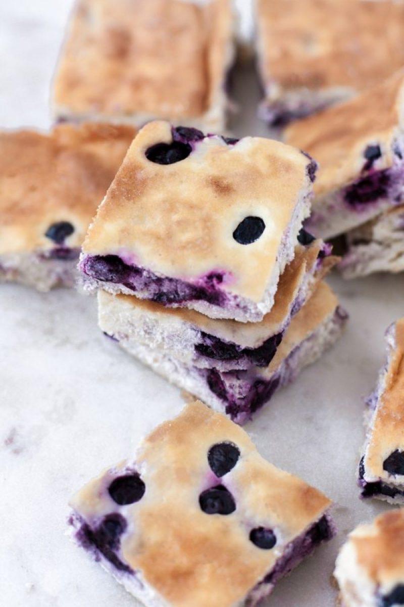 Low Carb Blueberry Cheesecake Bars | Keto friendly #ketorecipes #ketodiet #ketocheesecake #ketodessert #lowcarbdessert #ketosweets #lowcarbsweets