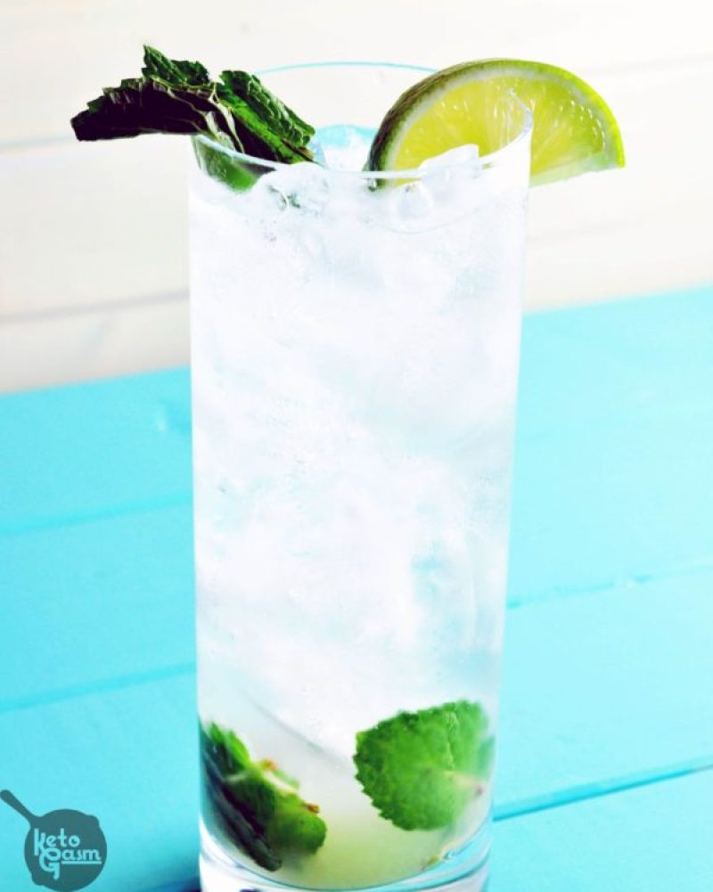 Low Carb Sugar-Free Vodka Mojito - Try these 13 irresistible low carb keto cocktail recipes. Keto alcohol drinks to let you enjoy a bit of booze without worrying about your diet. These keto cocktails include La Croix, vodka, rum, tequila and are all easy to make. #keto #ketoalcohol #ketogenicdiet #ketodrinks