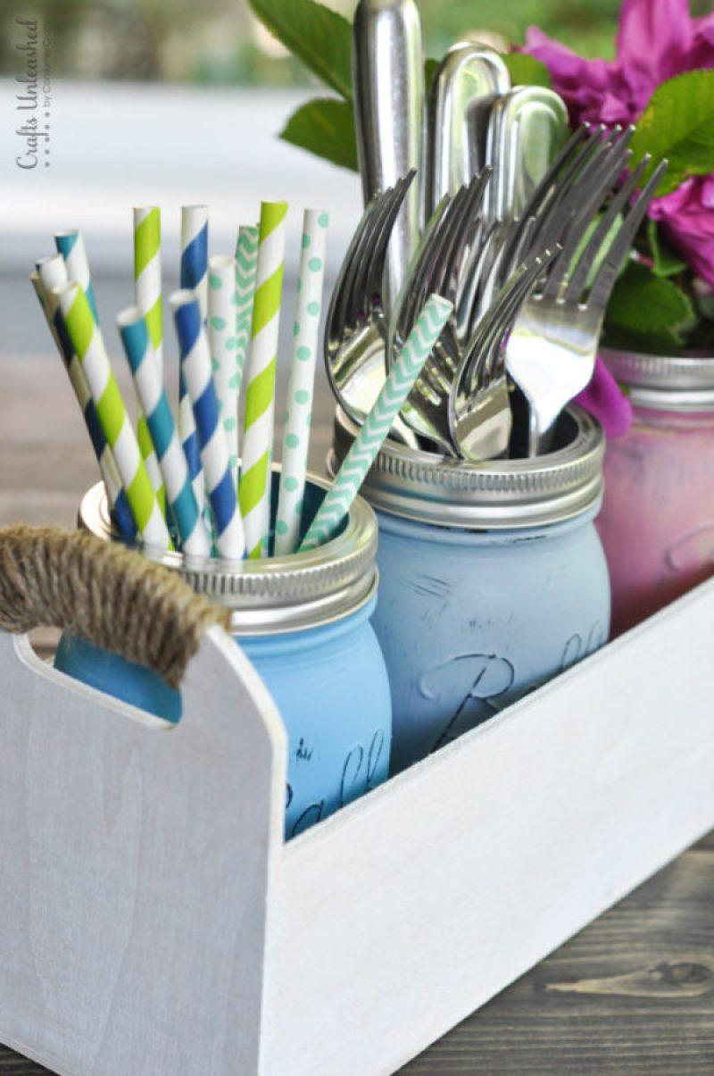 Mason Jar Utensils Caddy Organizer - Incredibly Clever Mason Jar Organization Ideas. Organize your entire home using mason jars. #masonjars #masonjar #masonjarorganization #organization #diyhomedecorideas #masonjarcrafts