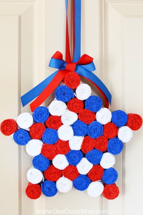 Easy Star Shaped 4th of July Wreath- Memorial day DIY crafts to sell for extra cash