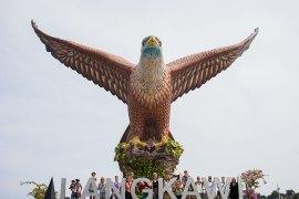 Langkawi: Eagle Square & Kilim Geopark