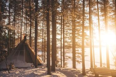 Välkommen till Swedish Lapland, en värld full av flammande norrsken, glittrande snö och frusna sjöar