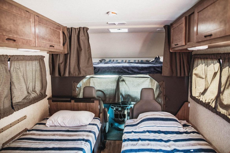 Cruise America - insidan av husbil i storlek Large