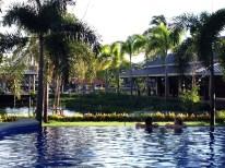 Relaxen im Pool - Miri und Lucie
