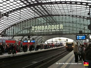 00-berlin-germany-main-trainstation-hauptbahnhof-bombardier