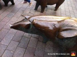 12-bremen-pigs-bronze-sculpture