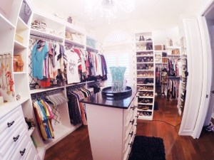 Dream Closet Inspiration from Oh Happy Play, a Florida Motherhood blogger. Check it out now!