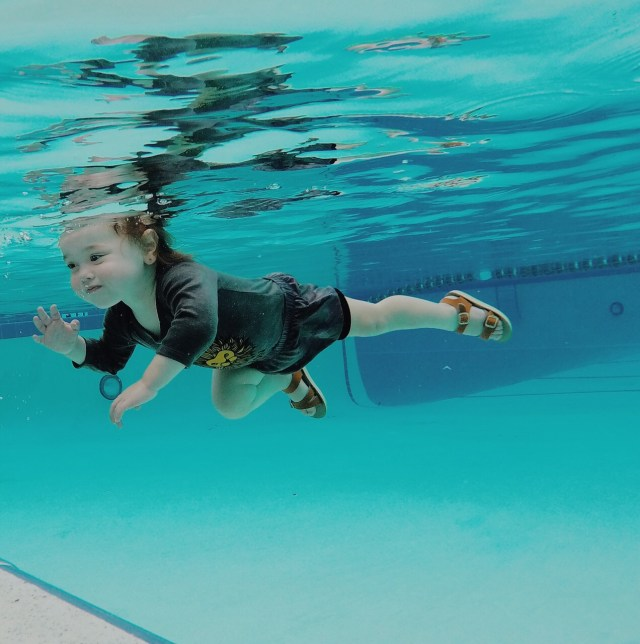 isr, infant self rescue, swim survival, swim lessons, baby swim lessons, floating baby