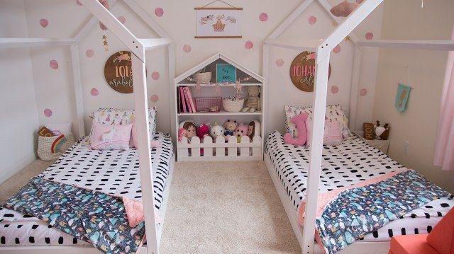 Florida Motherhood blogger, Oh Happy Play, shares the Ultimate Fairytale Inspired Shared Bedroom. The girls' fairytale inspired shared bedroom is easy to create!