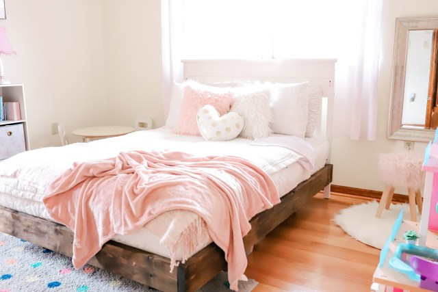 toddler room, baby room, nursery, girl room, boy room, floor bed, montessori floor bed, kids decor, kids dream room, toddler bed, kids bed, house frame bed, teepee, kids fort, playroom, kids playroom, dream playroom, DIY house frame floor bed, DIY house bed, DIY floor bed, floor beds for toddlers, boho chic girls room, little girls room, dreamy girls bedroom, girl bedroom design
