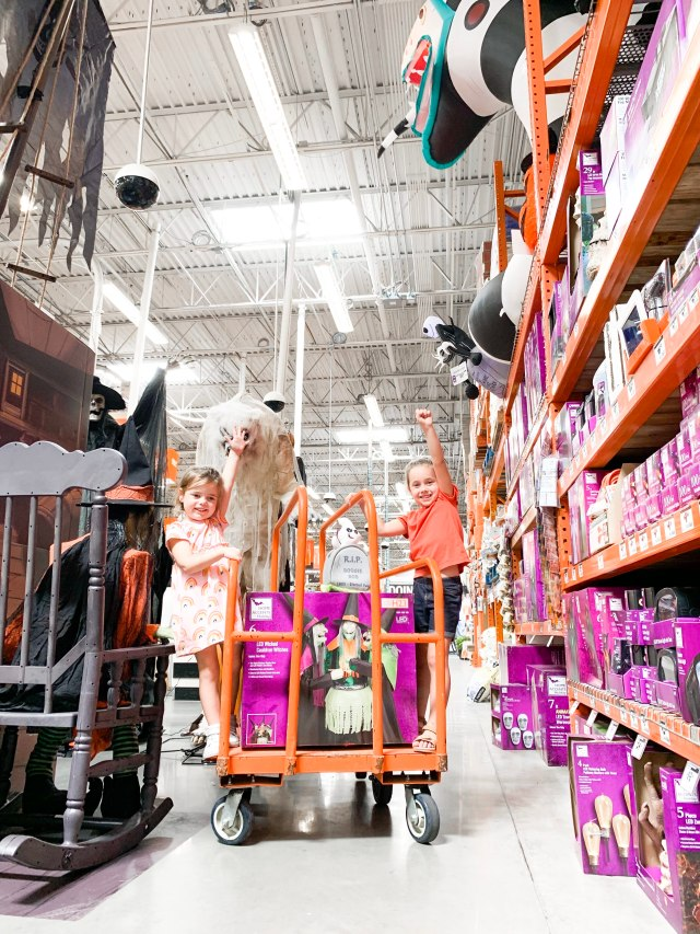 the home depot halloween, Fall flowers, light up jack-o-lantern, patio ideas, halloween decor