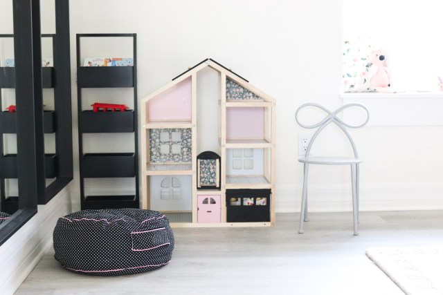 DIY Dollhouse makeover, dollhouse hack, modern dollhouse DIY, Melissa & Doug dollhouse makeover