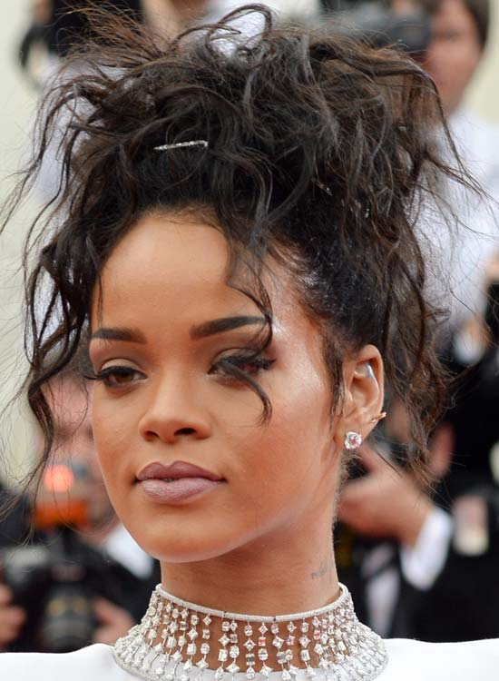 Gorgeous Rihanna Hairstyles Gallery Ohh My My