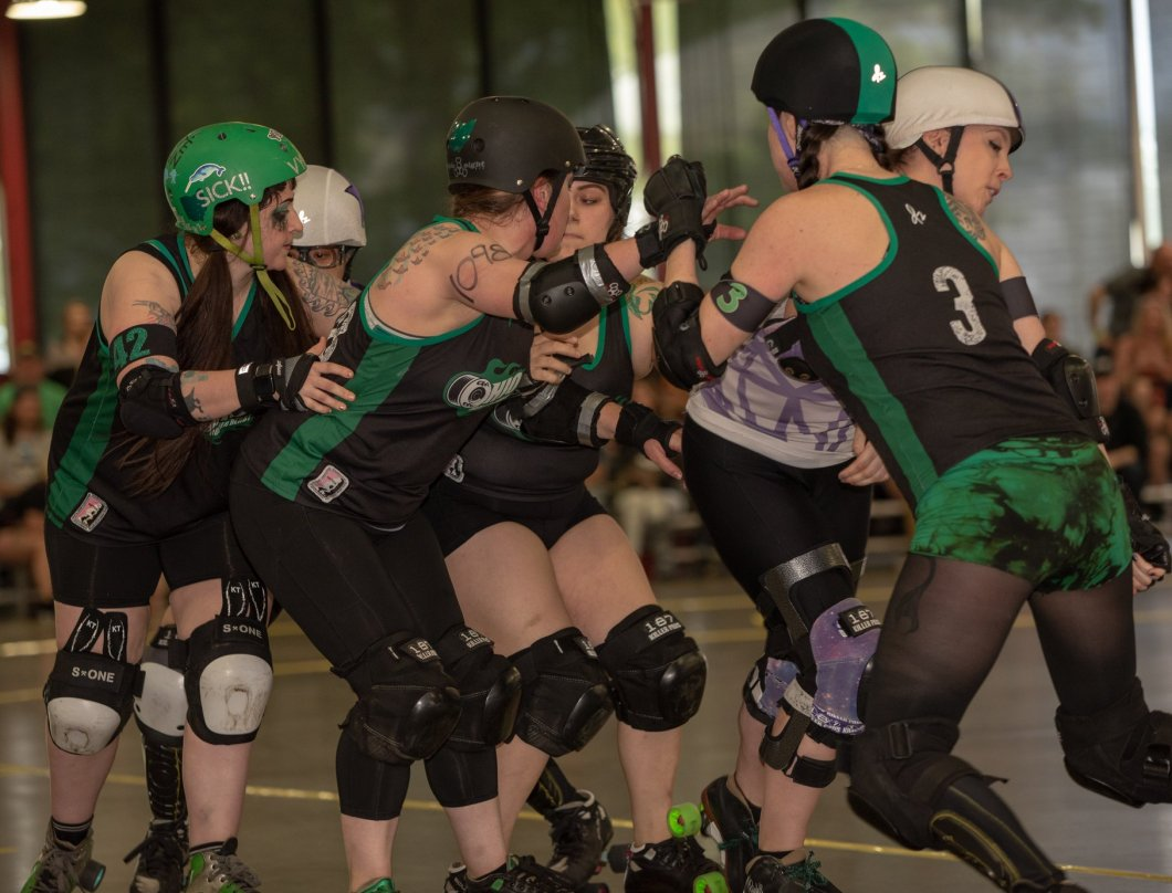 Vyles Amy Kelsey Betty blocking OHRD v Gem City 5.11.19 Chris Baker