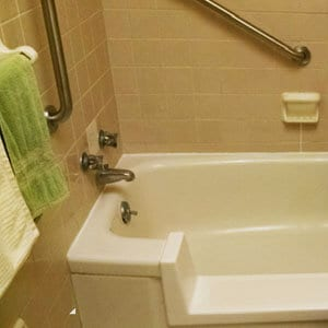 grab bars on bath tub