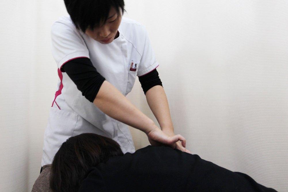 肩関節の痛みでの筋膜リリース
