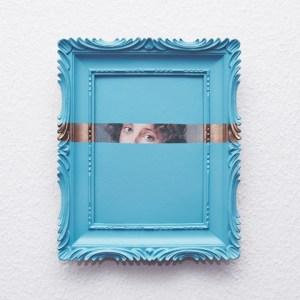 Cadre relooké bleu regard