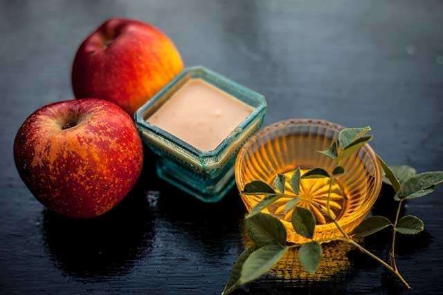 Apple Facial Mask For Oily Skin