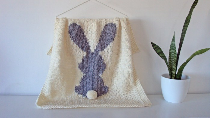 Bunny Blanket knitting pattern / Rabbit blanket knitting pattern using intarsia