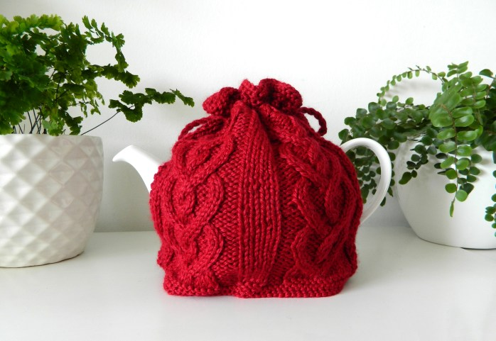 CABLED HEARTS Teapot Cozy 3