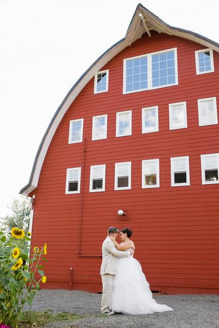 Locally Grown Washington Barn Wedding: Kayln & Mike