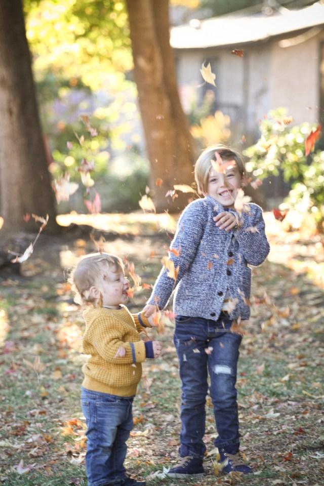 Oh Lovely Day fall family photos | Jennifer Roper Photography