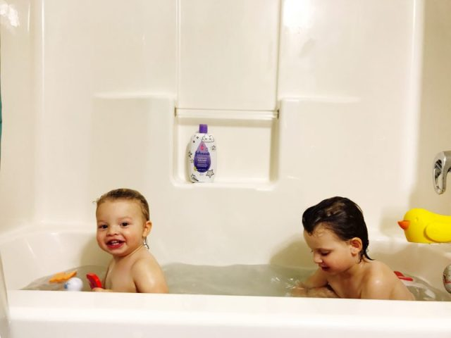 How I Make Our Bedtime Routine Work With Multiple Kids and Johnsons Baby Bath Products #shop