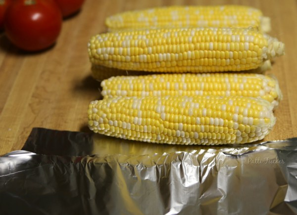 Delicious and Easy Seasoned Corn on the Cob