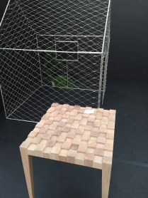 Šachový stolek? Každopádně byl zajímavý... Design kusy