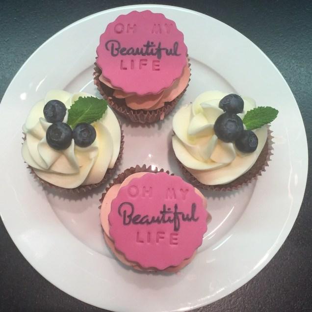 Lelí´s Cupcakes - čokoládové s bezinkovým a malinovým krémem
