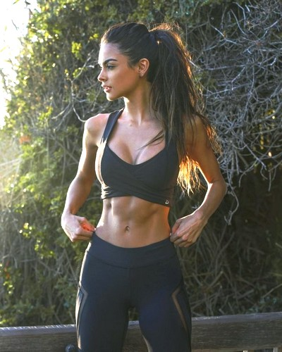 Une fit girl