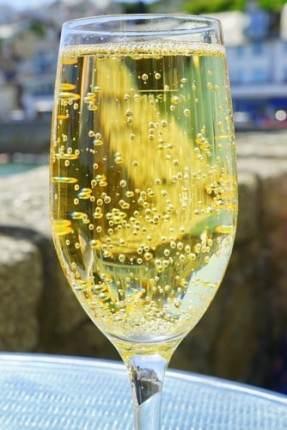 Vin, champagne et sucre