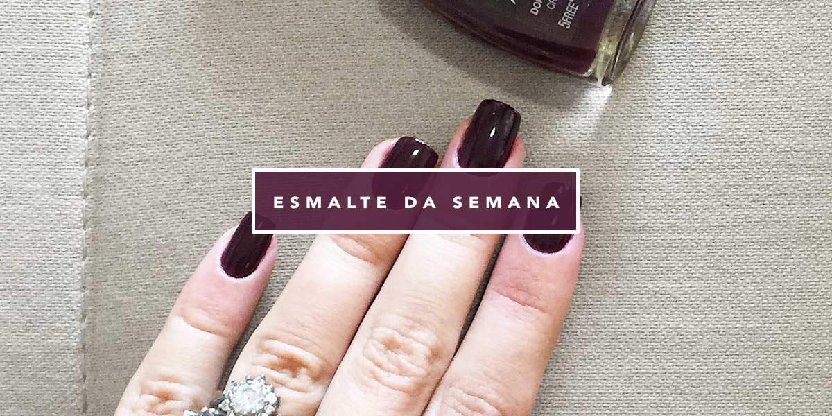 Esmalte da Semana Dona do Jogo Gio Antonelli para Colorama. Vem ver no Oh My Closet, nas mãos da blogger Mônica Araújo.